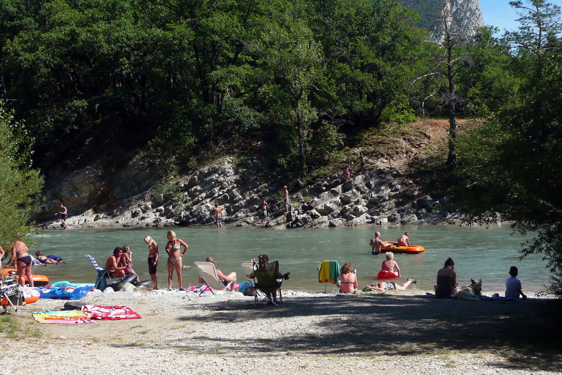 Domaine chasteuil provence camping dans les gorges du for Camping gorges du verdon avec piscine